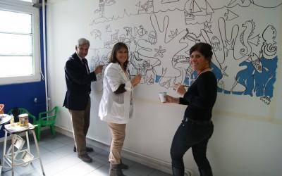 Destacada pintora Macarena Matte realizó mural para niños en sala de espera del Hospital