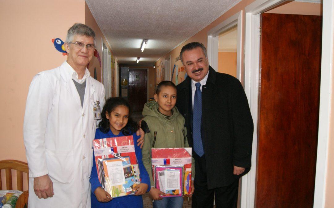 Junaeb realiza importante donación de útiles escolares para nuestra escuela hospitalaria