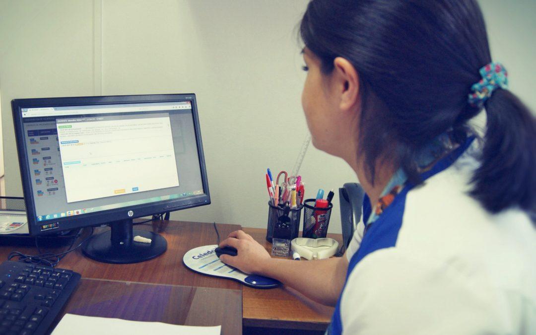 Implementación de DAU electrónico en la Unidad de Emergencia trae beneficios a usuarios y funcionarios