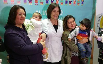 Ministra de Salud lanza programa de alimentación complementaria junto a pacientes de nuestro Hospital