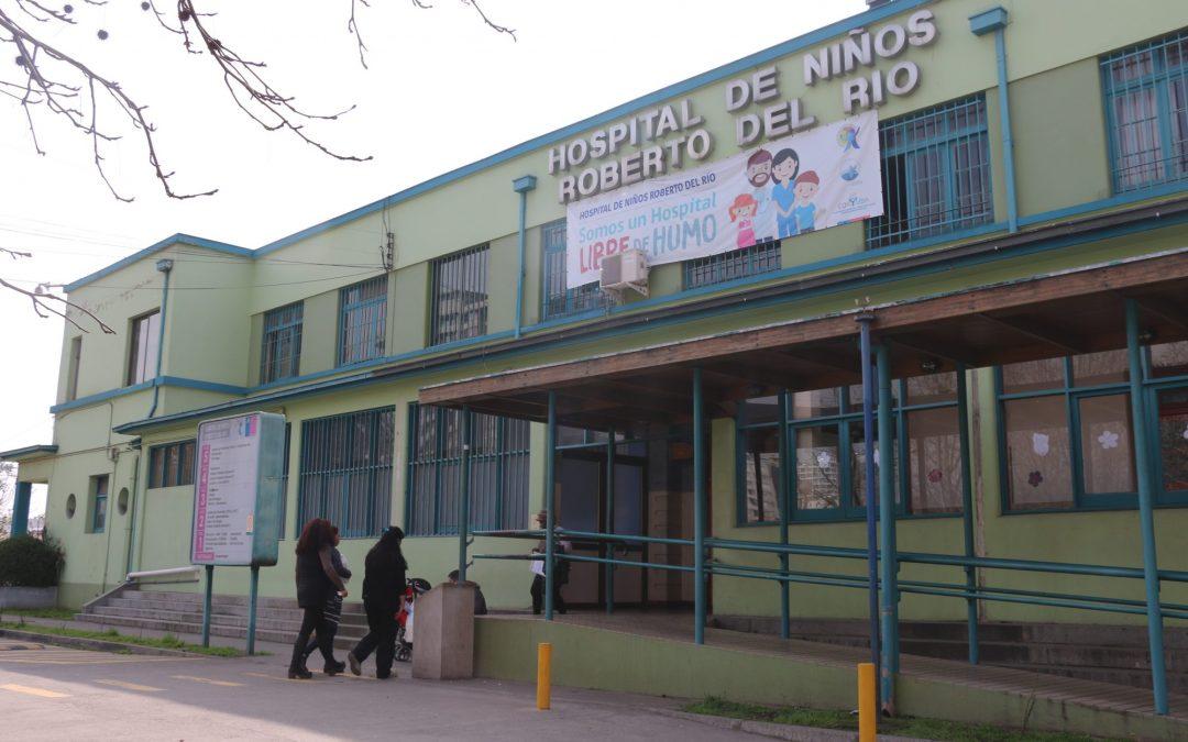 Estaba amarrada a cama de hospital: madre denuncia maltrato a su hija al interior del Hospital Roberto del Río de Santiago