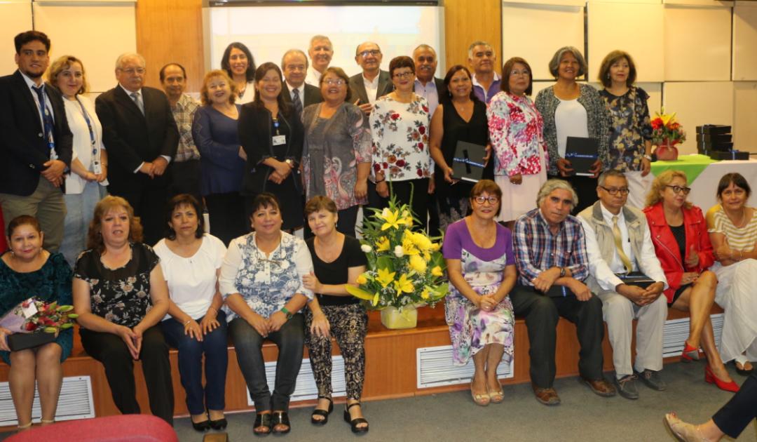 Hospital Roberto del Río homenajea a 37 funcionarios que se acogieron a retiro