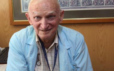 Lea el Perfil Humano del Dr. Santiago Topelberg, Infectólogo de nuestro Hospital