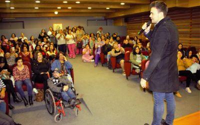 Voluntarias celebran a las mamás del Hospital Roberto del Río