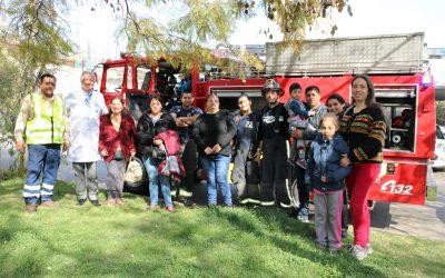 Voluntarios de Bomberos visitaron el Hospital Roberto del Río