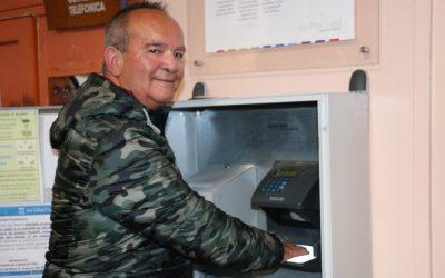 Luego de más de 38 años de servicio, Comunidad Hospitalaria realiza emotivo homenaje al funcionario Luis Paredes Tobar, en su última jornada de trabajo en el Hospital Roberto del Río