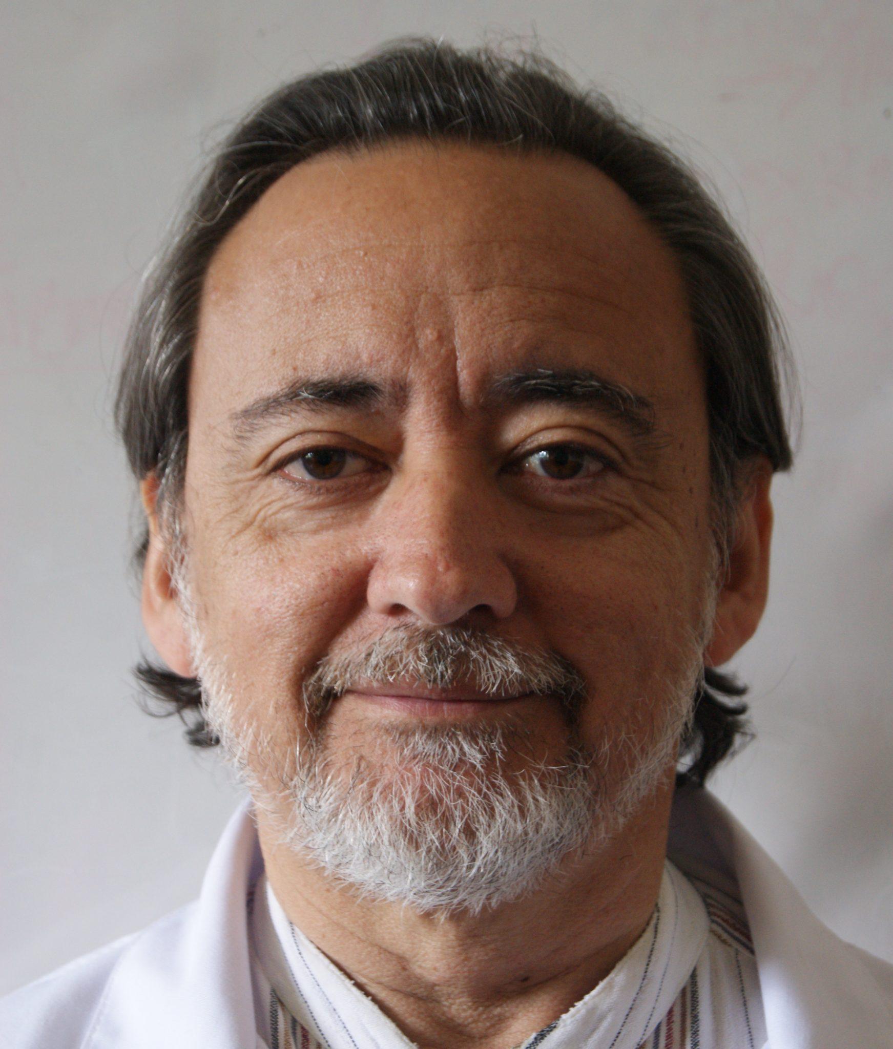 Dr. Víctor Molina Fuente-Alba