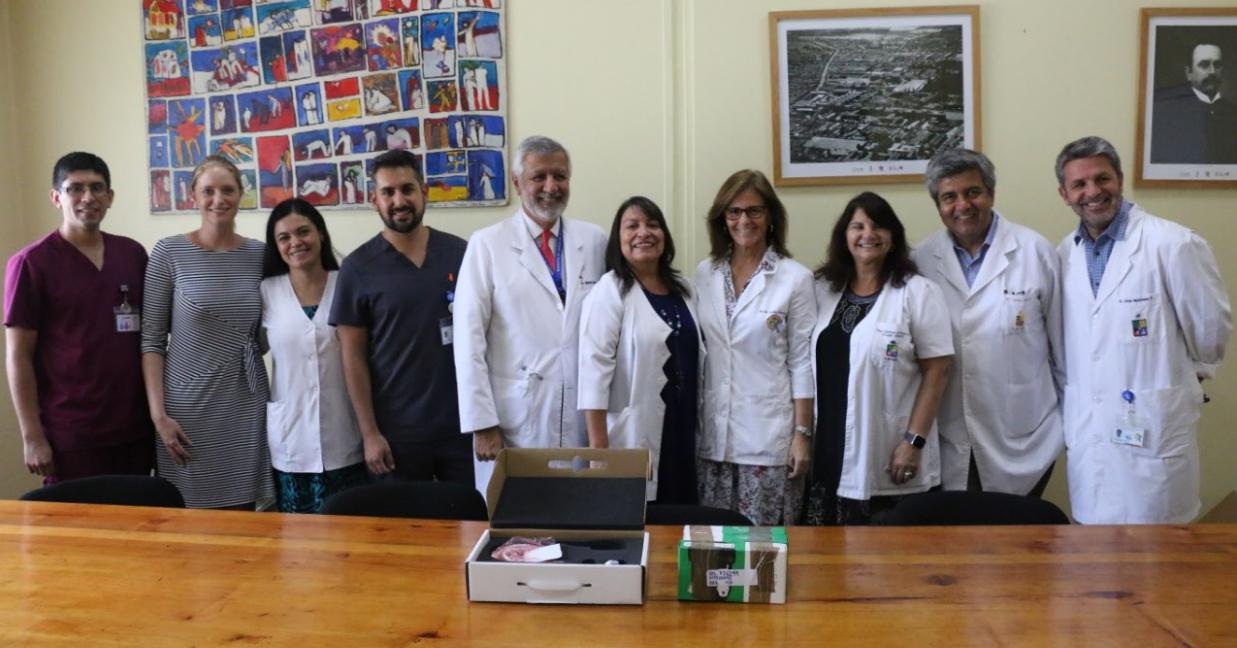 Facultad de Medicina de la Universidad de Chile entrega nuevos equipos al Hospital Roberto del Río, a través de su convenio asistencial docente